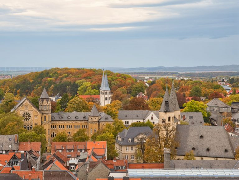 Goslar - Turmbesteigung Marktkirche - Blick zur Kath. Kirche