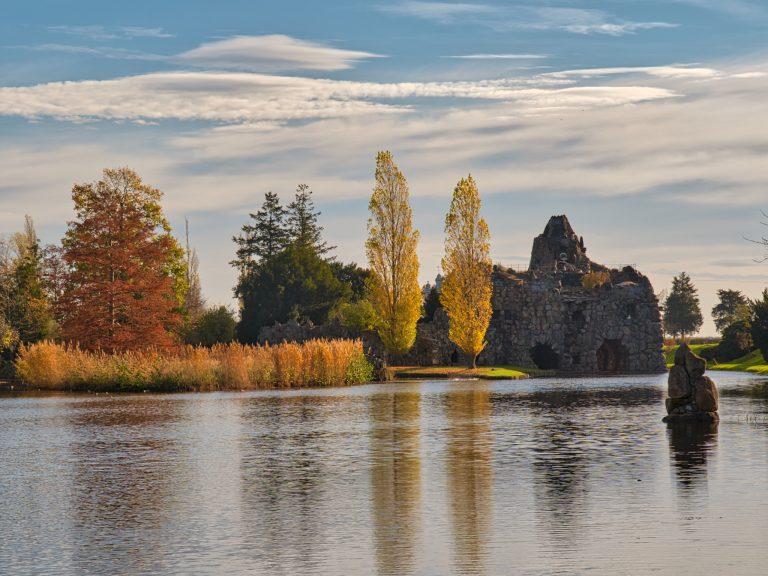 Insel Stein mit Vesuv