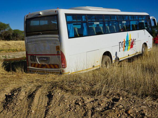 Bus hat sich festgefahren